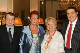 Valeria Valeri, Aldo Giuffrè e Luc Montagnier Premio Cornaro 2005